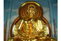 Tượng gỗ Phật Thich Ca Mau Ni Thếp vàng.