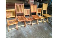 Ghế gỗ ngoài trời dành cho quán cafe.