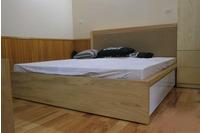 giường gỗ công nghiệp.