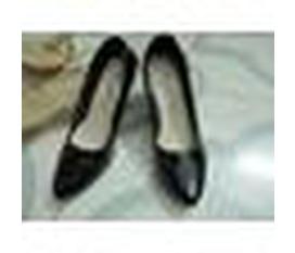Một đôi giày đẹp, đóng bằng da Đài Loan, mềm, size 35. Nhận order đóng giày nam cao gót 3 5 phân, không lộ đế cao