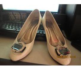 Bán hoặc đổi giày dép siêu rẻ...