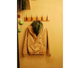 Bán lại áo khoác vừa mới mua