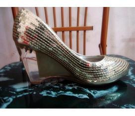 Thanh lí 1 em giày lấp lánh vẫn còn mới :X:X:X