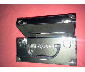 Thanh lý hộp đựng đồ trang điểm LanCome hàng auth và độc nhé