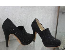 Chuyên bán buôn giầy dép quần áo nữ hàng quảng châu