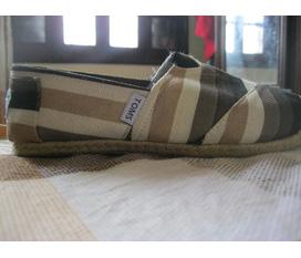 Thanh lí giày toms new 100%, giày dép hàng đẹp