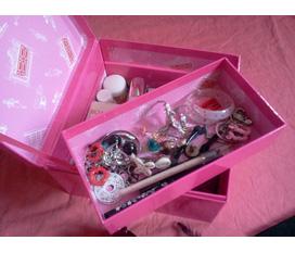 Thanh lý hộp đựng mỹ phẩm Elizabeth Arden 5th Avenue hàng auth xách tay Nhật