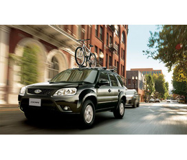 Ford Escape giảm giá 30 triệu cho dòng 4x2và 4x4 chỉ có tại Long Biên Ford.