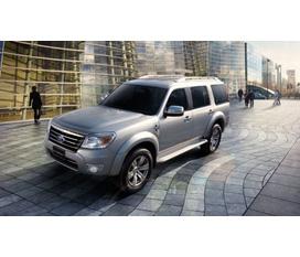 Ford Everest giảm giá tới 40 triệu khi lấy xe tại Long Biên Ford