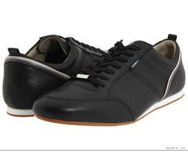 Cần bán đôi giầy Lacoste màu xanh cực đẹp mới đi được 3 lần mua ở domino hang bông 1tr6 bán 850k. có ảnh thật mới 90%