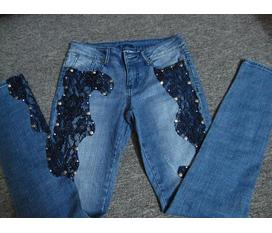 Quần Jeans ren BEBE, giống Docle.