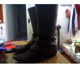 Một đôi boot size 38 duy nhất
