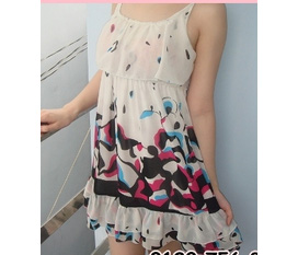 Váy, áo xinh xắn cho mùa Tết sắp đến. Có mua là có discount