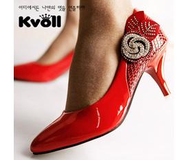 Shop giày Thiên Ý chuyên bán buôn, bán lẻ các loại giày dép Hiệu Kvoll Hàn Quốc, chất lượng tốt, giá cả phải chăng