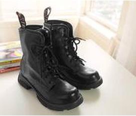 Cần nhượng 1 em boots