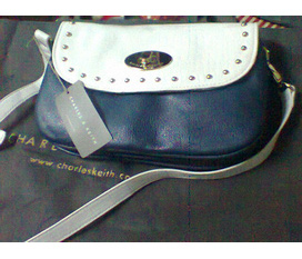 Túi Charles and keith 100%