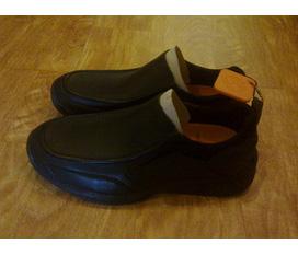 Bán đôi giày luời của Timberland