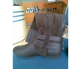 Mình Bán đôi boots cao cổ thời trang nhập nguyên chiếc Từ Malaysia về ..........