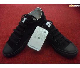 1 đôi converse đen tuyền thấp cổ cực hot new 100% vừa mua 6/1/2011
