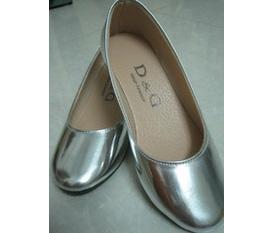 Giày color block màu bạc chỉ 110k, còn 1 đôi size 36