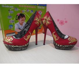 Có một số em giày cao gót, hàng chuẩn xuất Châu Âu, không tìm đâu đôi thứ 2 đâu nha