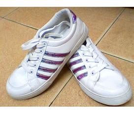 Ai muốn mua giày nào