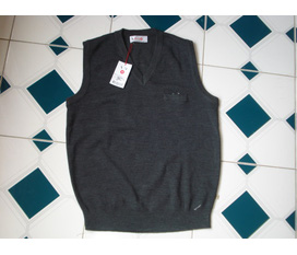 Thanh lý 2 em áo gile len made in Kore 100% New