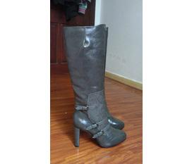 E boots charles keith tuyệt đẹp, new 100%, nhanh tay sắm lấy diện tết các ss ơiiiiiiiiiiiiiii