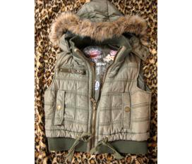 Cả đồ new và used, cả đồ hè và đông Quần, áo, túi, váy, áo khoác len, áo khoác phao gile.... and moreee đang up thêm đồ