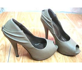Thanh lí 1 đôi giày sandy.12cm.sz 37.bán lỗ vốn,đi vài lần,bán nhanh trc tết