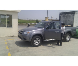 NISSAN NAVARA 2.5L AWD dòng xe bán tải cao cấp , đủ màu , giá tốt nhất , chỉ có tại NISSAN LONG BIÊN.