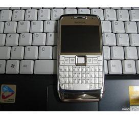 Nokia e71 mau white hinh thuc dep