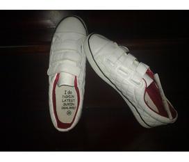 Giày thể thao đủ size từ 35 đến 40.Chất lượng cực đẹp,giá cả fải chăng.free ship Hà Nội nhé:x.Nhanh tay nào:x