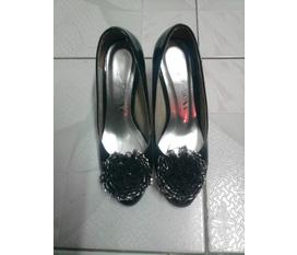 Giày cao gót và dép xinh xinh