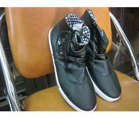 ChocolateShop Hàng giày mới về 10/2/2012 Giày Nam Dior, D G, converse, .....Giảm giá 10% nhân dịp hàng mới về :X