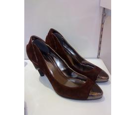 Thanh lí lô giày hiệu VICENZO ZENO hàng chính hãng cho chị em đây,giá chỉ còn 1/4