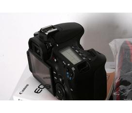 Thanh lý con body Canon EOS 60D 18 135IS hàng chính hãng.
