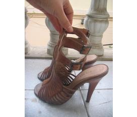 Cần thanh lý mấy em giày cao gót, giá cực rẻ, hàng cực chất