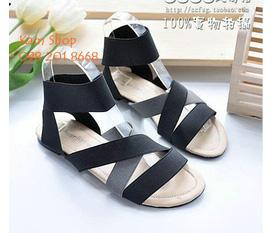 NEW 100%: 1 Sandal 1 Boot. Size 36. Đẹp rẻ múc luôn. K xem qá tiếc
