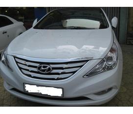 Bán Hyundai Sonata 2.0 màu trắng đời 2010 biển 16N còn ngân hàng
