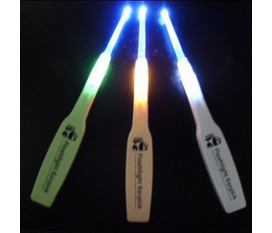 Chăm Sóc Sức Khỏe Đôi Tai Của Bé Yêu Và Cả Gia Đình Bạn Thật Đúng Cách, An Toàn Tiện Lợi Với Sản Phẩm Lấy Ráy Tai có đèn