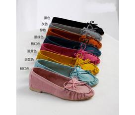 Giày xinh, nhiều mẫu cho bạn gái
