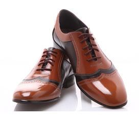 Hãy bắt đầu mọi sự thành công bằng đôi giày chất lượng, thể hiện đẳng cấp của mình.