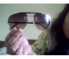 Nhượng lại 1 kính mắt hàng hiệu Emergildo Zegna cho anh em