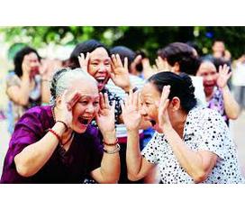 Quà tặng 08/03: Khóa đào tạo Huấn luyện viên Yoga Cười Viêt Nam