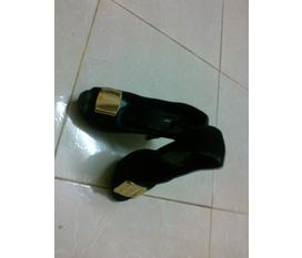 Thanh lý 2012 : Toàn bộ giày, guốc, sandal