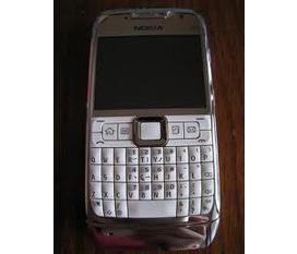Có E71 màu trắng Đổi Iphone 3Gs Phụ thêm tiền hoặc bán đứt