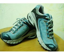 Giày thể thao nữ, hàng xách tay từ UK