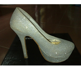 Giảm giá các loại giày cao gót có sẵn ở shop Mành