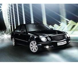 Bán 01 xe Meccedes E280 màu đen